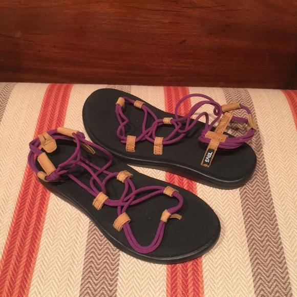 7d6240e2c2a5 Womens Teva Voya Infinity Purple Sandals. M 5afa22b41dffdaec07caecf1